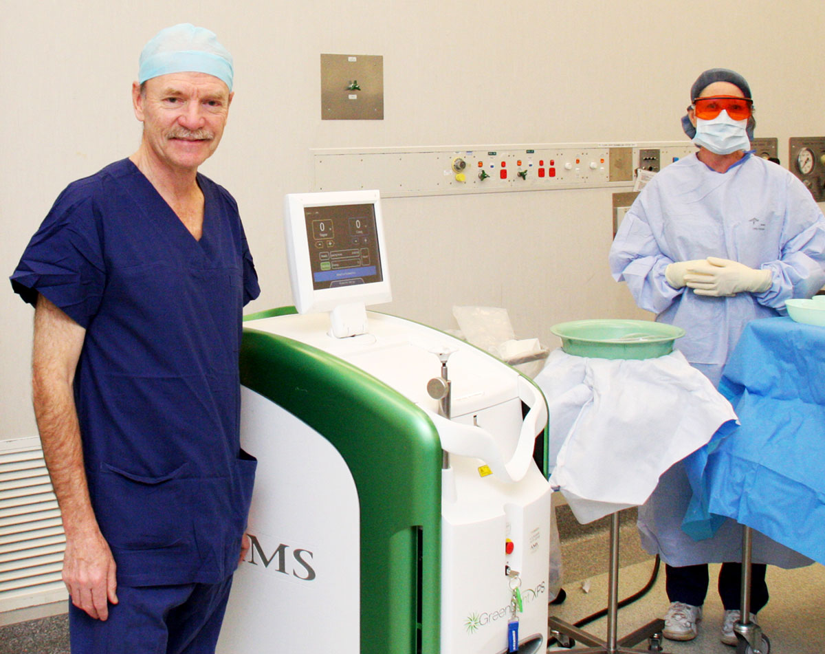 Sydney Urological Surgeon in theatre